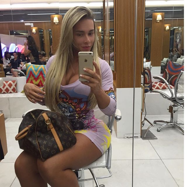 Rafaela Ravena (18)