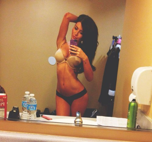 girls with abs (23)