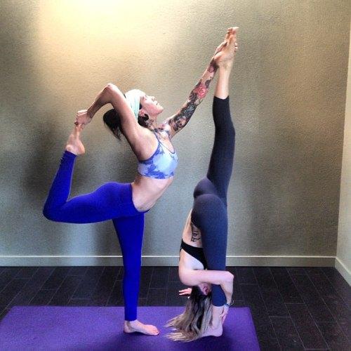 sexy yoga girls (9)