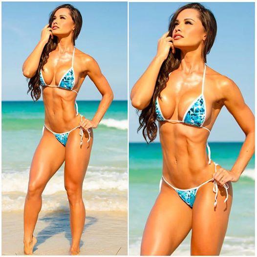Fernanda Davila (27)