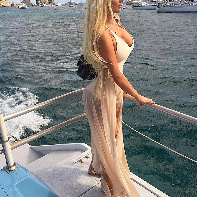 Nicolette Shea  (2)