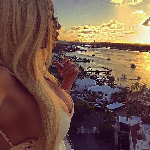 Nicolette Shea  (7)