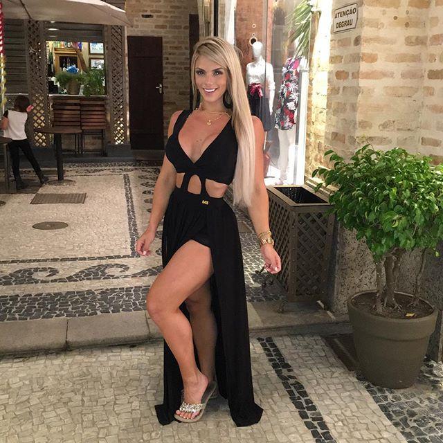 Roberta Zuniga brazilian fitness model (10)