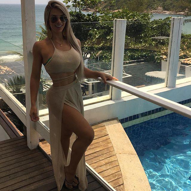 Roberta Zuniga brazilian fitness model (12)