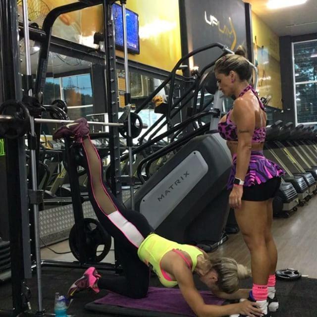 Roberta Zuniga brazilian fitness model (8)