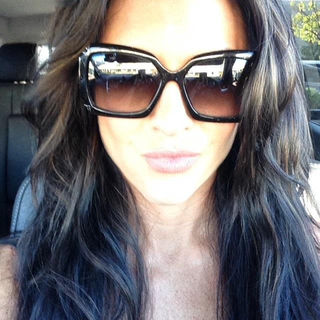 Amanda Latona (22)