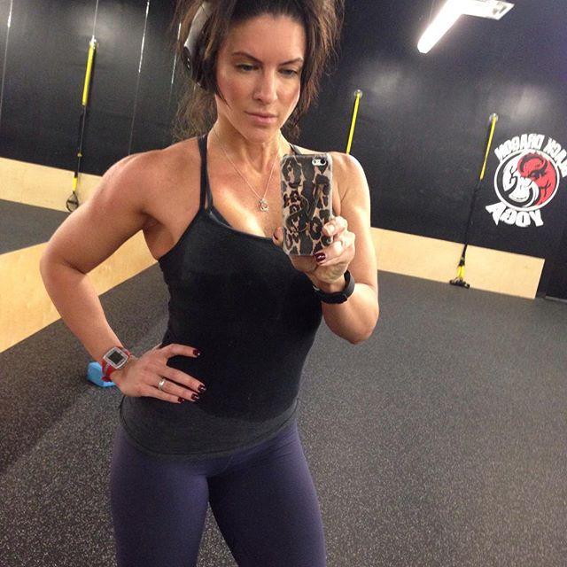 Amanda Latona (46)