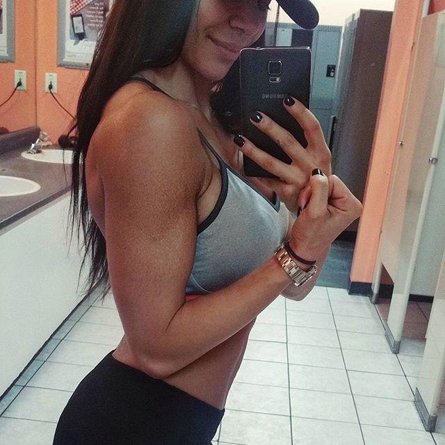 Bianca Gabriela (71)