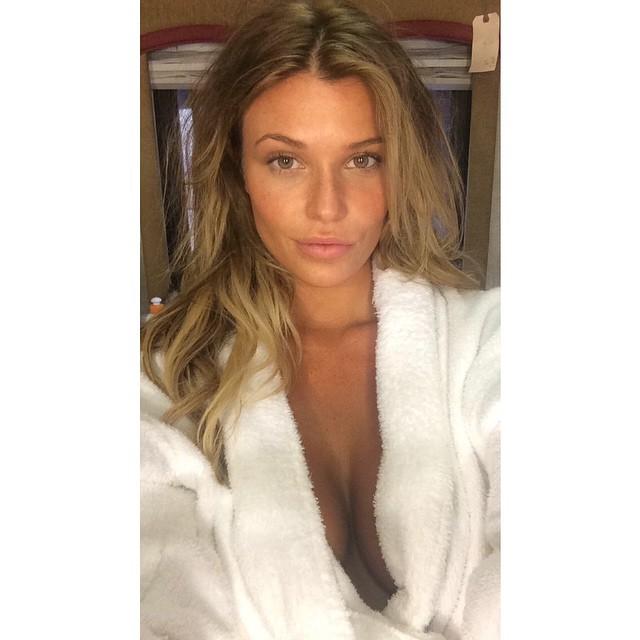 Samantha Hoopes (26)