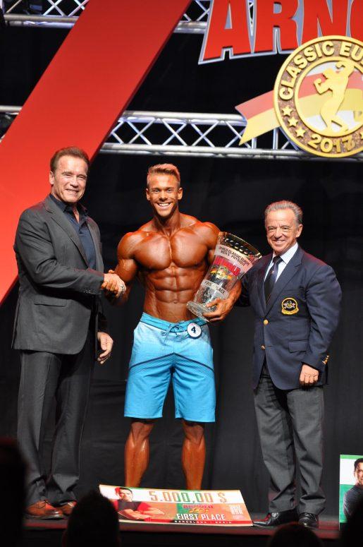 Чемпион Arnold Classic Europe Men's Physique 2017