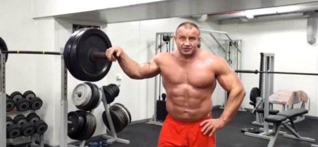 Mariusz Pudzianowski à l'entrainement