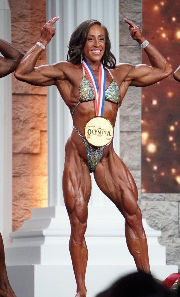 Sarah Villegas remporte le titre Women's Physique 2020