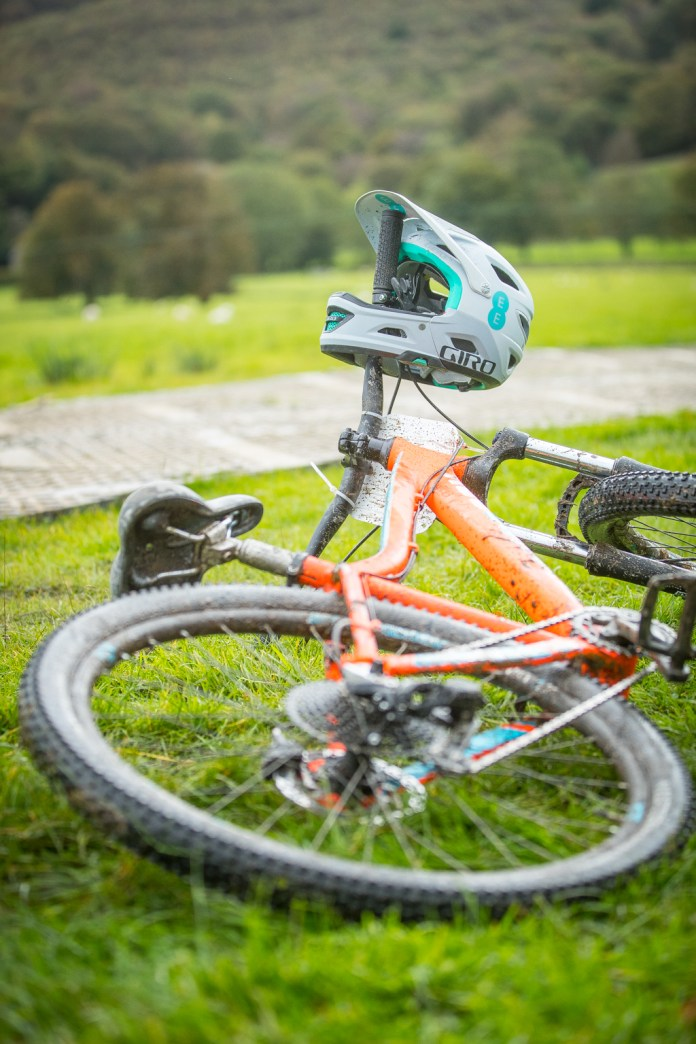 Faya - Fitness On Toast - Wales EE 4G Balloon Signal Bike Rural Apple Watch Adventure Cyclicing Downhill Mountain Bike Biking Workout Event-5