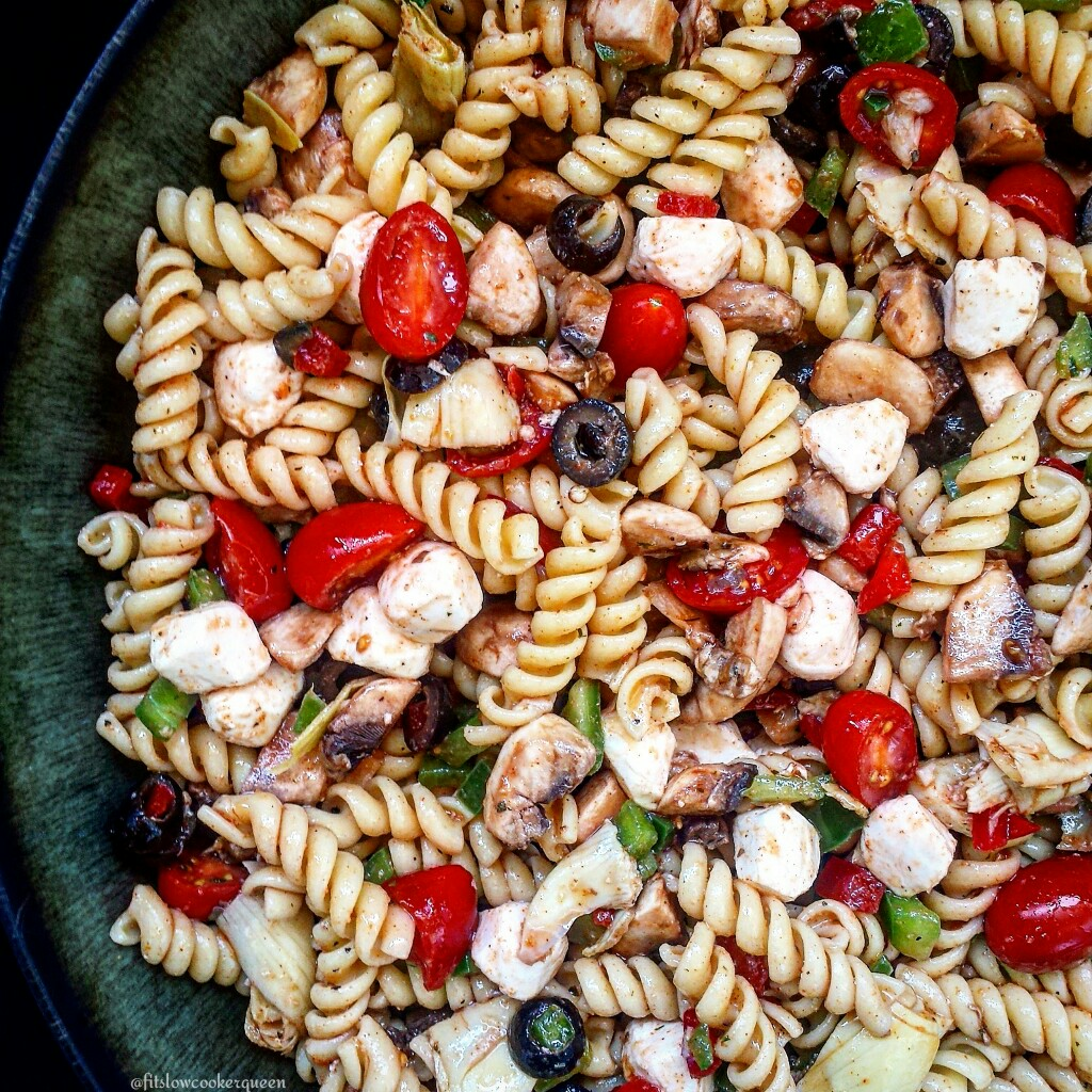 Vegetarian Pizza Pasta Salad