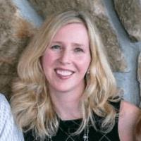 Jessica Rhoades, proprietario e designer, crea progetti Web IT