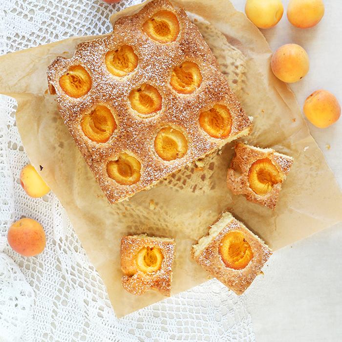 Kokosowe ciasto z morelami