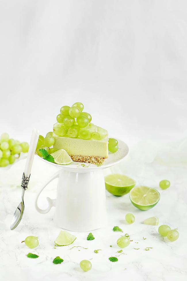 Limonkowy sernik z herbatą matcha - Deser na upały