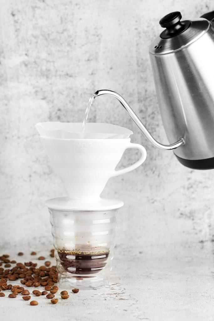 Alternatywne metody parzenia kawy - drip.