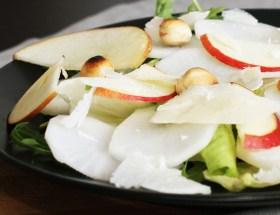 Sałatka z rzodkwi białej i jabłka