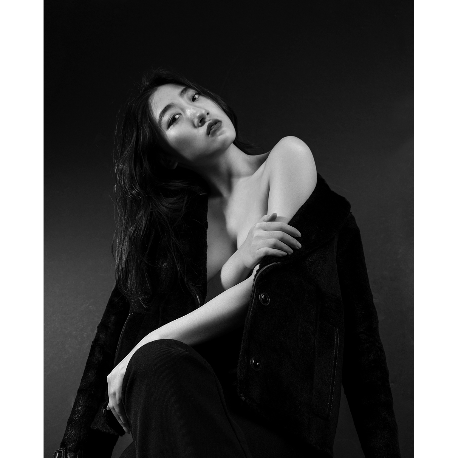 Toronto-Fitness-Model-Agency-BW-Beauty-Portrait-Helen-Wang