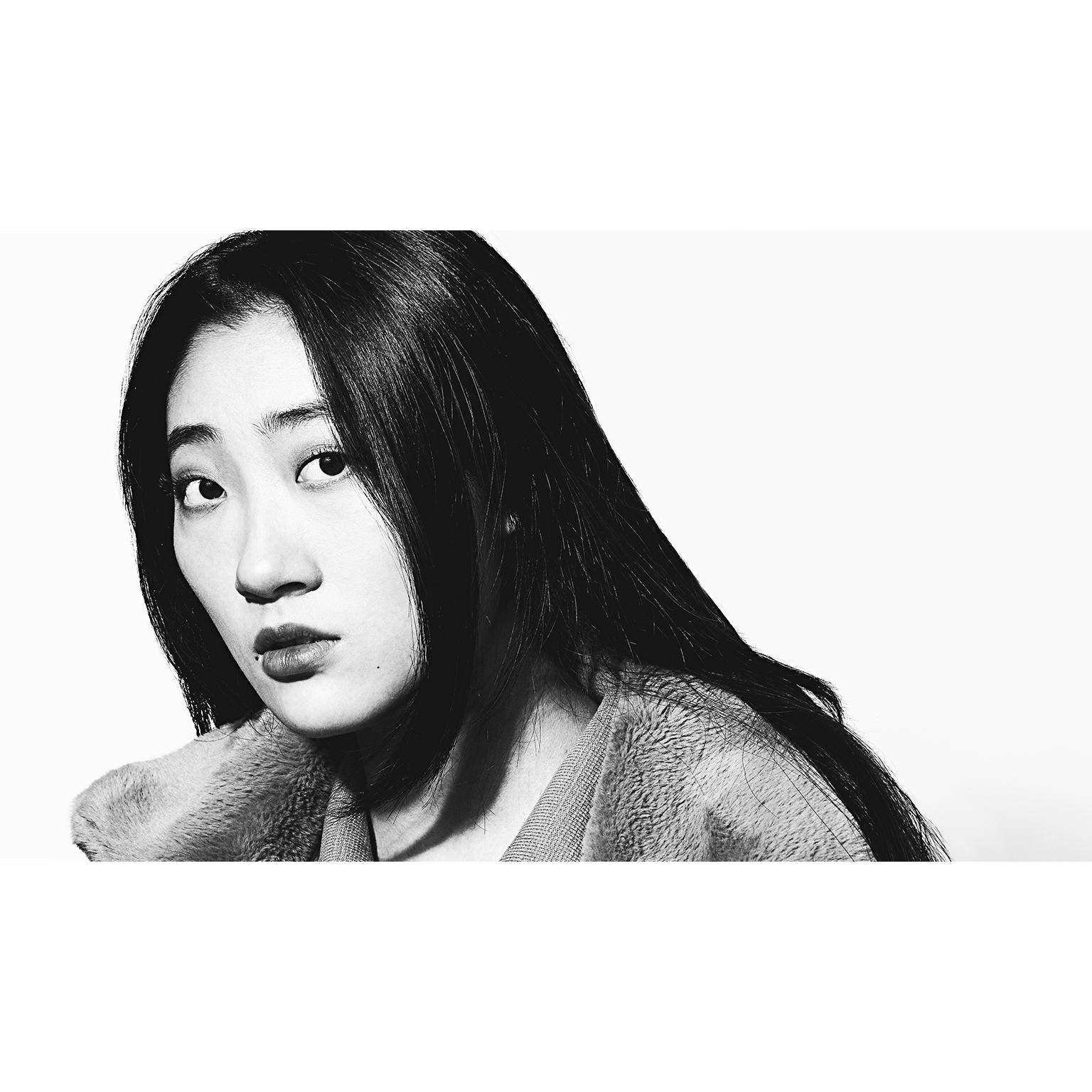 Toronto-Fitness-Model-Agency-BW-Portrait-Helen-Wang