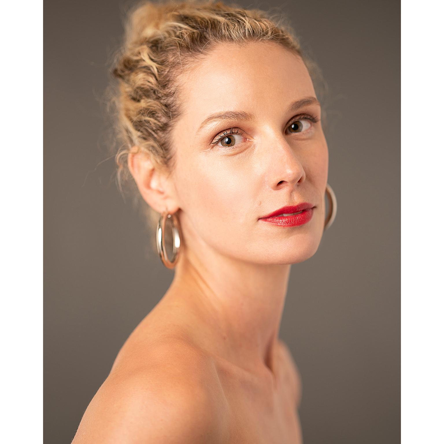 Toronto-Fitness-Model-Agency-Commercial-Beauty-Lifestyle-Tiffany-Babiak