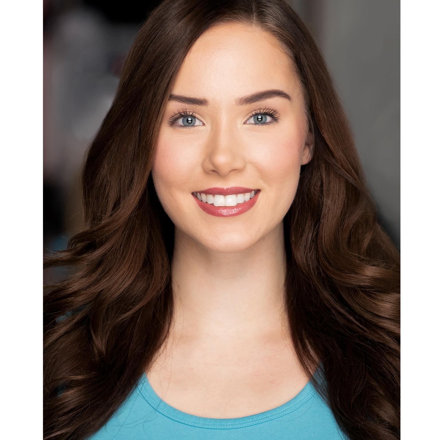 Toronto-Fitness-Model-Agency-Headshot-Lifestyle-Jenn-Regan