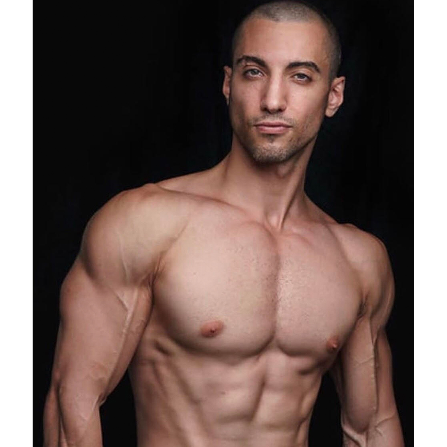 Toronto-Fitness-Model-Agency-Muscle-Lifestyle-Kevin-Zammit
