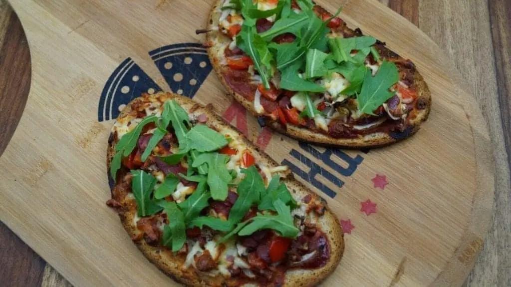 Rustikales Pizza-Ofenbrot