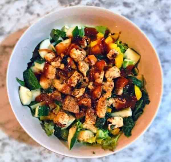 Gesunder Hähnchensalat