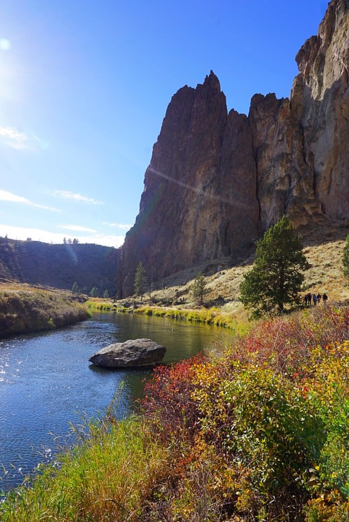 Smith Rock hike things to do in Bend Fittwotravel.com