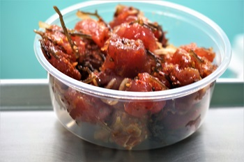 5 places to eat on Oahu Ono Poke Bowl fittwotravel.com