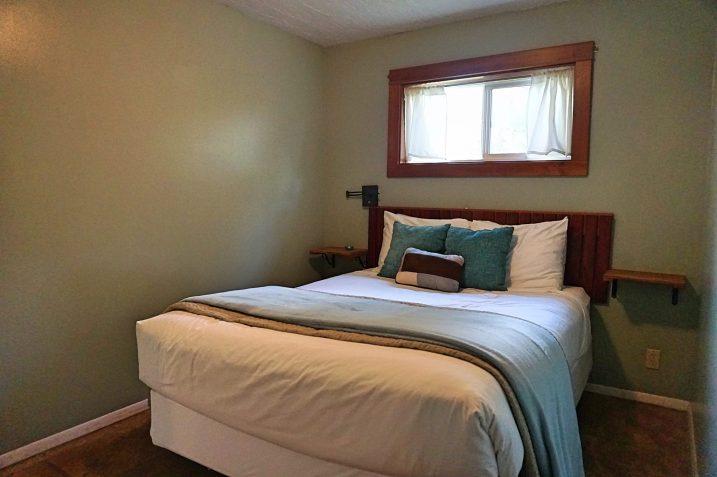 agate beach bedroom