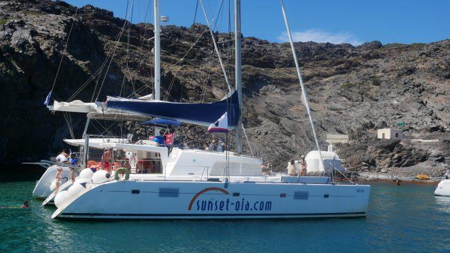 sailing santorini oia fittwotravel.com