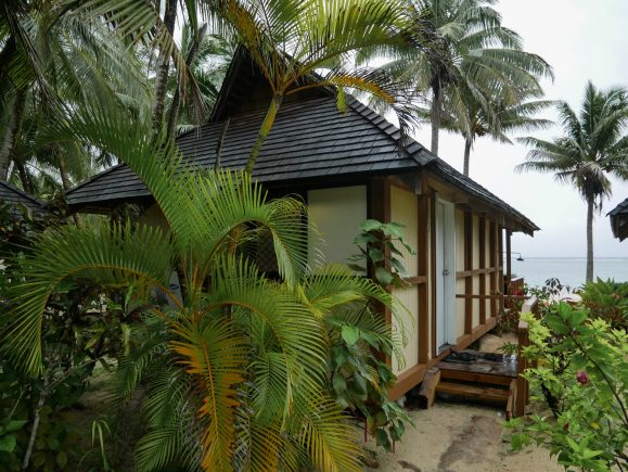 beachfront bungalow rarotonga cook islands fittwotravel.com