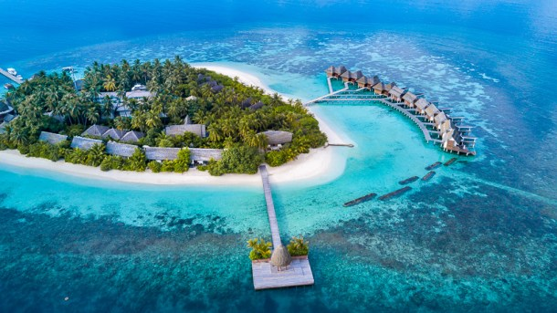 best overwater bungalows kandolhu island resort maldives