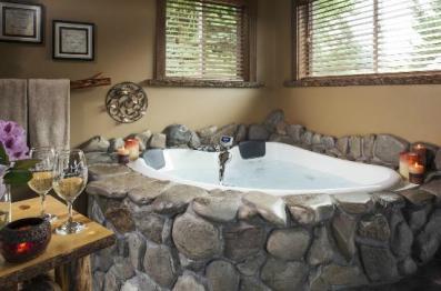 Carson Ridge Cabins Romantic getaways in Washington State fittwotravel.com