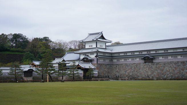 Japan travel tips Kanazawa castle