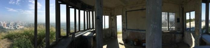 山頂上的廢棄碉堡,在這裡看日落應該相當不錯