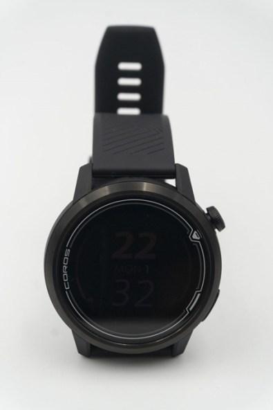 錶面直徑46mm,男士適用;有42mm版本供女士使用