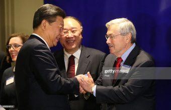 Iowa Gov. Terry Branstad greets Chinese President Xi ...