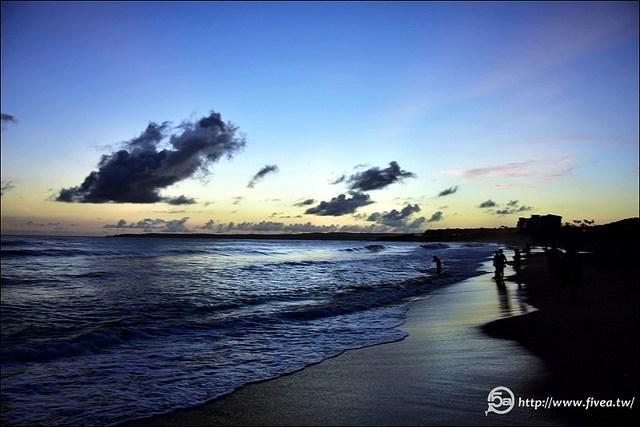 墾丁海灘觀夕陽