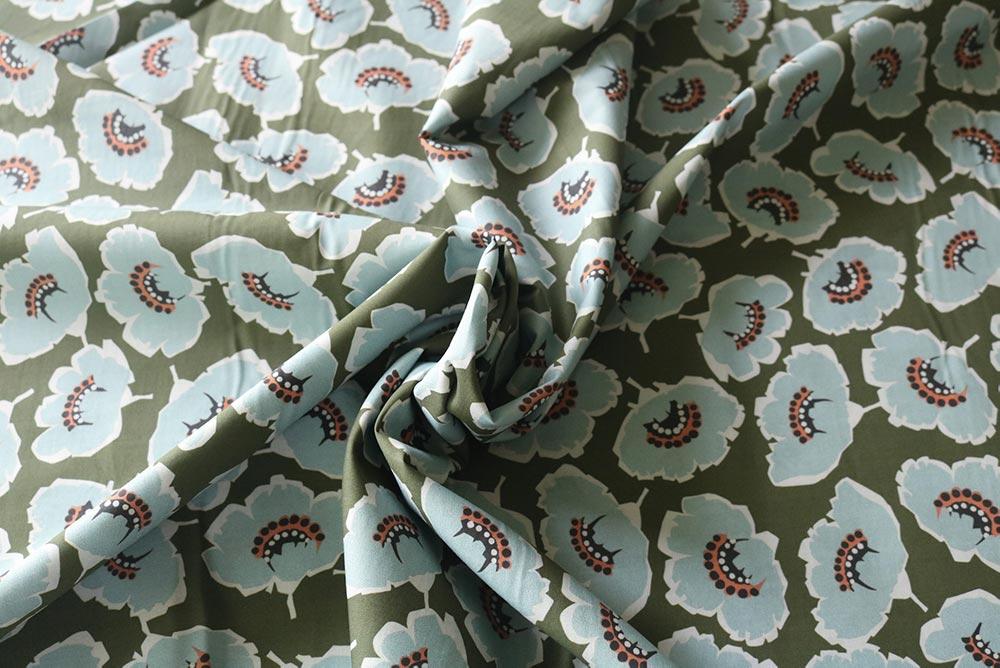 Lady McElroy <br>Dahlia Petal Cotton Lawn — Silver
