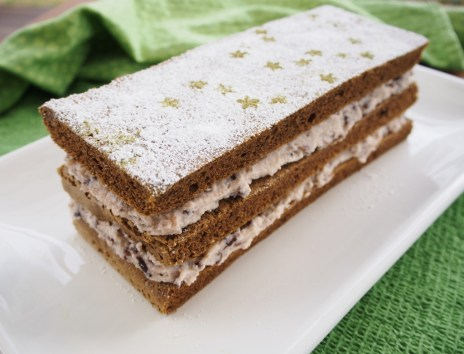 green tea and red bean cream cake