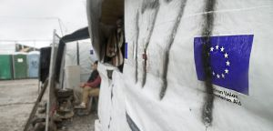 """Grecia, la denuncia di MSF: """"A tre anni dall'accordo UE-Turchia, migliaia di persone bloccate in condizioni disperate"""""""