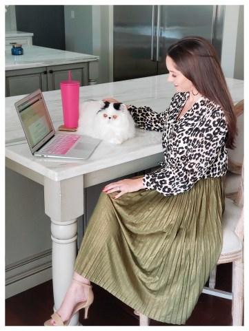 Petite Fashion Blogger Five Foot Feminine in leopard top