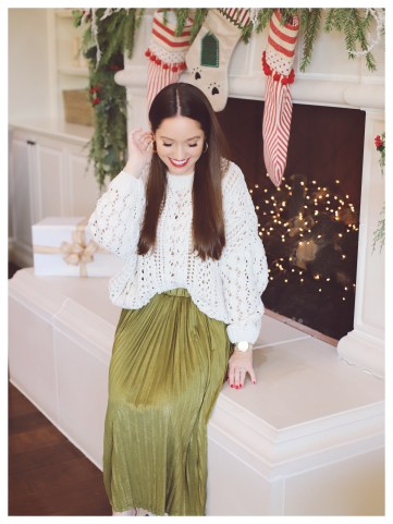 Petite Fashion Blogger Five Foot Feminine in Asos Skirt and Forever21 Cable Knit Sweater