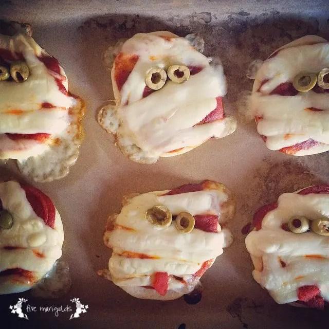 Halloween Treat Round-up: Mummy Mini Halloween Pizzas | Five Marigolds