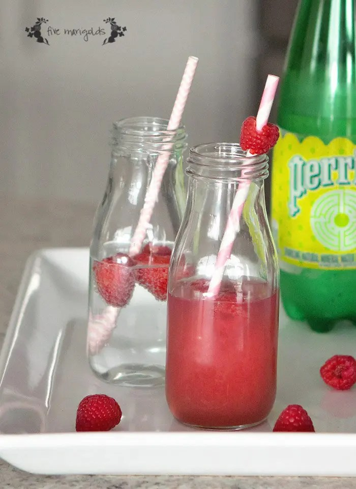 This healthy berry spritzer is refreshing, flavorful, and just three ingredients! | www.fivemarigolds.com