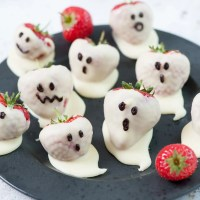 15 Easy Halloween Treats and Desserts